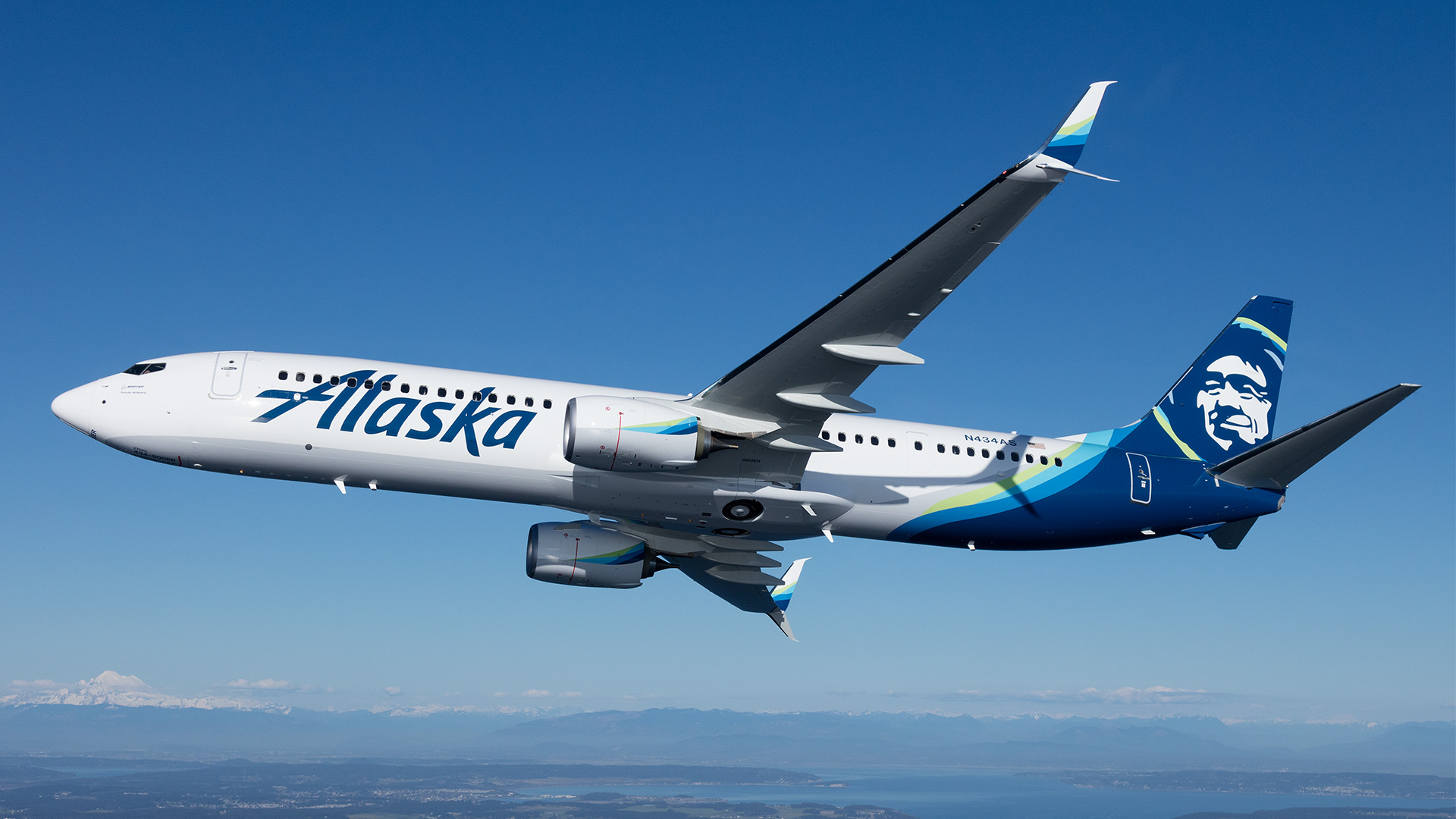 AlaskaAirlines_Hero@1x